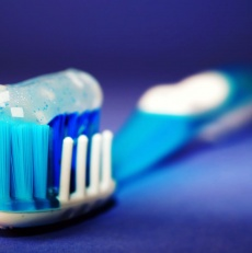 Hard or soft bristle tooth brush for the best clean?